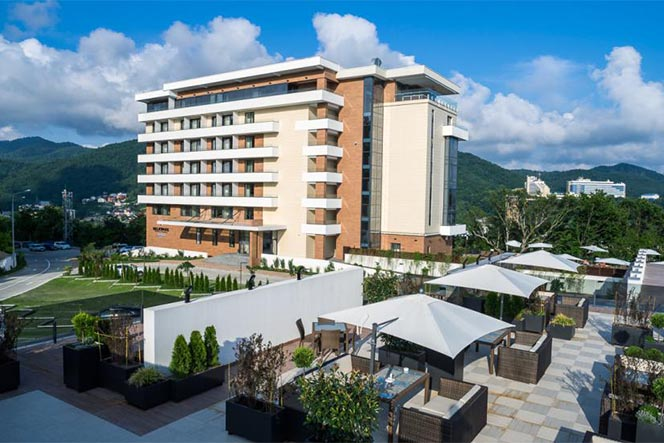 Курортный отель «LAVICON HOTEL COLLECTION»